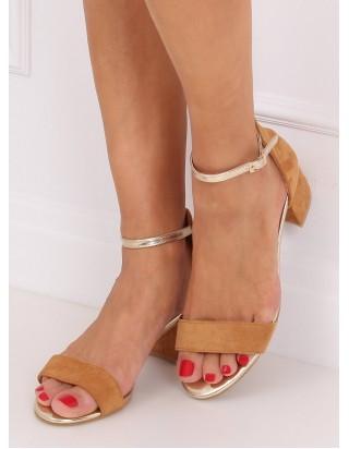 Hnedé sandále so zlatým remienkom