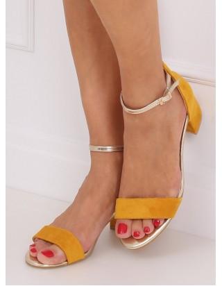 Horčicové sandále so zlatým remienkom
