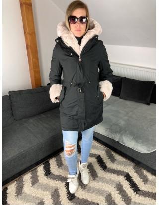 Čierna zimná bunda s kožušinou