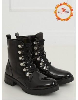 Čierne lakované topánky