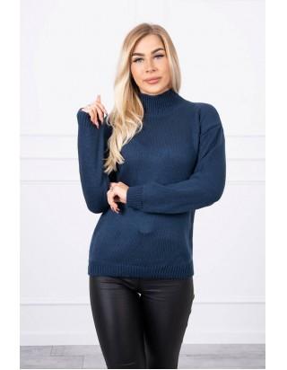 Tmavomodrý sveter s golierom