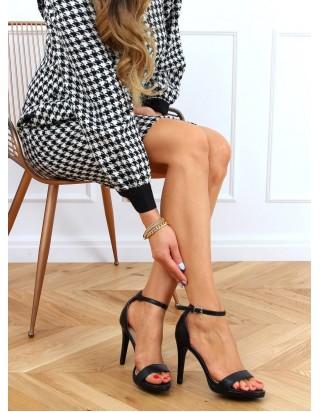 Sandále na podpätku čierne