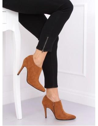 Hnedé vysoké topánky